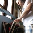 """Vicente Corostola es productor musical, diseñador gráfico y coleccionista de disco de vinil. Se define a sí mismo como un """"marciano que rescata sonidos y objetos del pasado"""". Es el […]"""