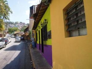 Una calle de El Hatillo, este domingo 27 de abril.