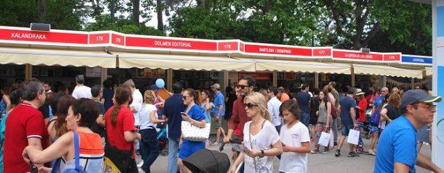 La Feria del Libro de Madrid (del 26 de mayo al 11de junio) es una fiesta del famoseo y el comercio, no tanto encuentro para la reflexión y el intercambio. […]