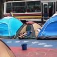 El camping de la protesta ha crecido frente a la torre HP –avenida Francisco de Miranda, cruce con Segunda de Los Palos Grandes− y llega hasta el Centro Plaza, una […]